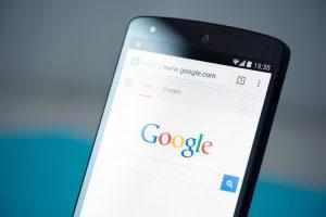 Durant les soldes d'hiver, pensez à optimiser vos campagnes Google Shopping sur mobile